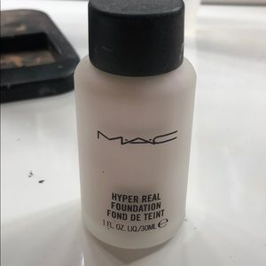 Mac hyper real foundation in Violet fx